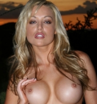 Club Kayden Kross naked
