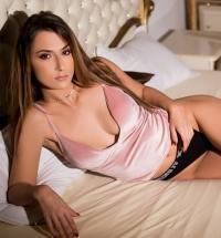 sexy Lara Kole