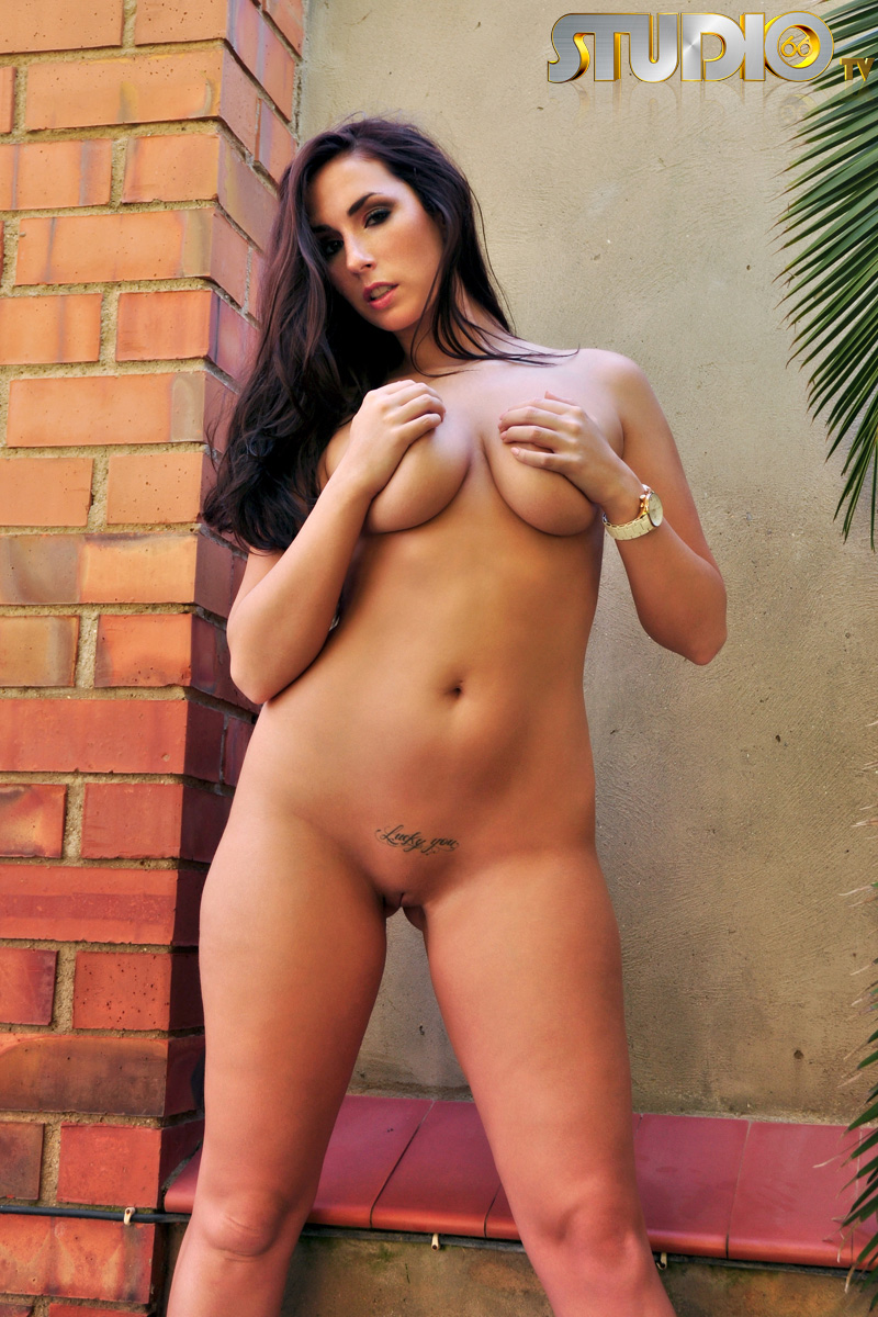 Studio 66 Naked Girls